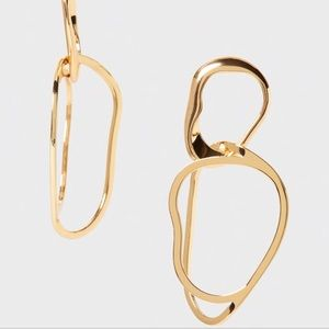 NWT Banana Republic Goldtone Sculpt Link Earrings